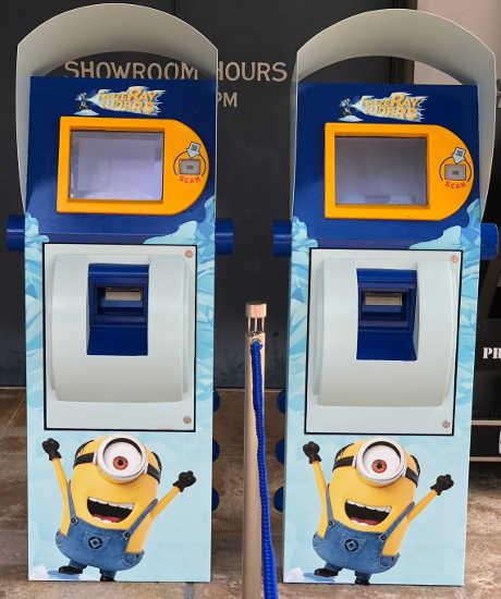 ミニオンハチャメチャアイス 整理券発券機