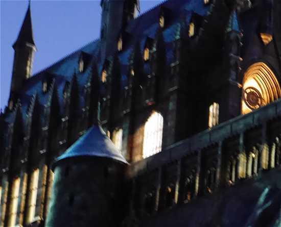 ホグワーツ城の夜の灯り