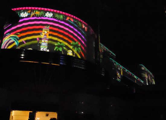 ナイトパレードパレード 年パスセンター